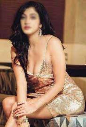 """""""Hi there, my name is Ruchi and I am a real woman of passion and an independent call girl aged 20. I will give my all to please you and if you are willing to know me, I will devote myself completely t"""
